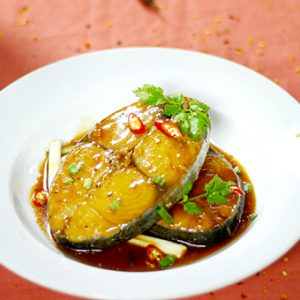 Cá thu rim nước dừa đậm đà