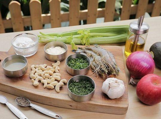 Nạp Protein cùng Salad hải sản