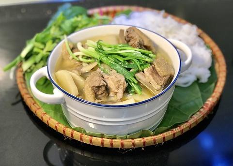Vịt nấu măng hương vị Việt Nam